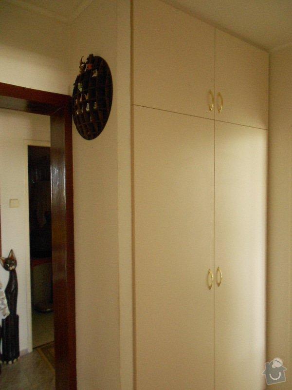 Vestavěná skříň,záclonové tyče: DSCN1071