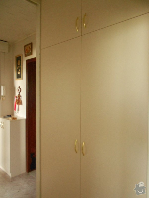 Vestavěná skříň,záclonové tyče: DSCN1072