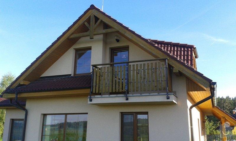 Nátěr podbití rodinného domu: jih-balkon