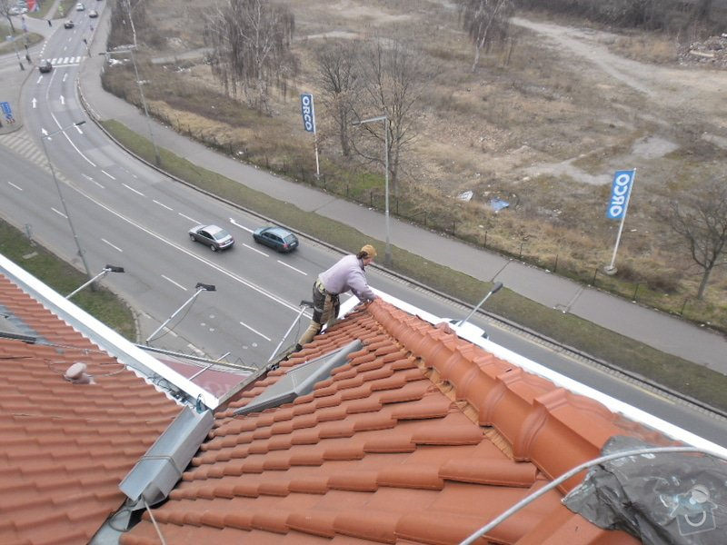Oprava střechy pergoly.: SAM_0730