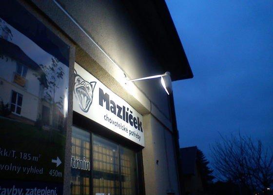 Osvětlení výloh prodejny