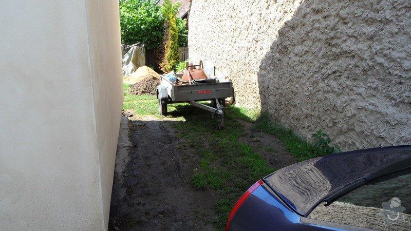 Pokládka zámkové a zatravňovací dlažby: SAM_0757