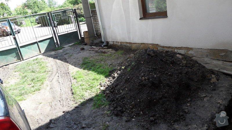 Pokládka zámkové a zatravňovací dlažby: SAM_0761