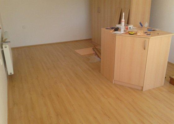 Položení laminátové podlahy 23m2