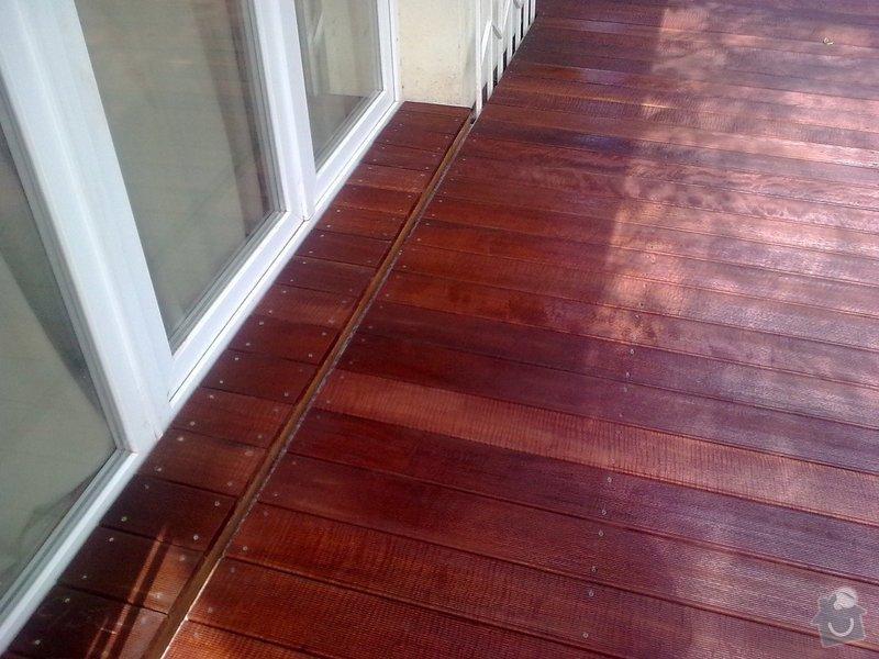 Dřevěna terasa ze schodamy a zabradli: Obraz0084