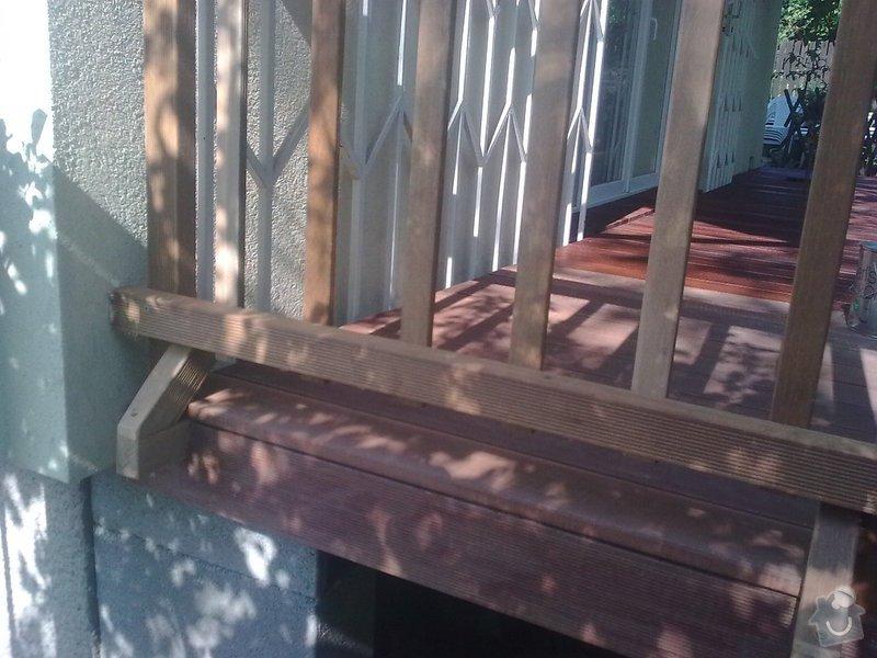 Dřevěna terasa ze schodamy a zabradli: Obraz0091