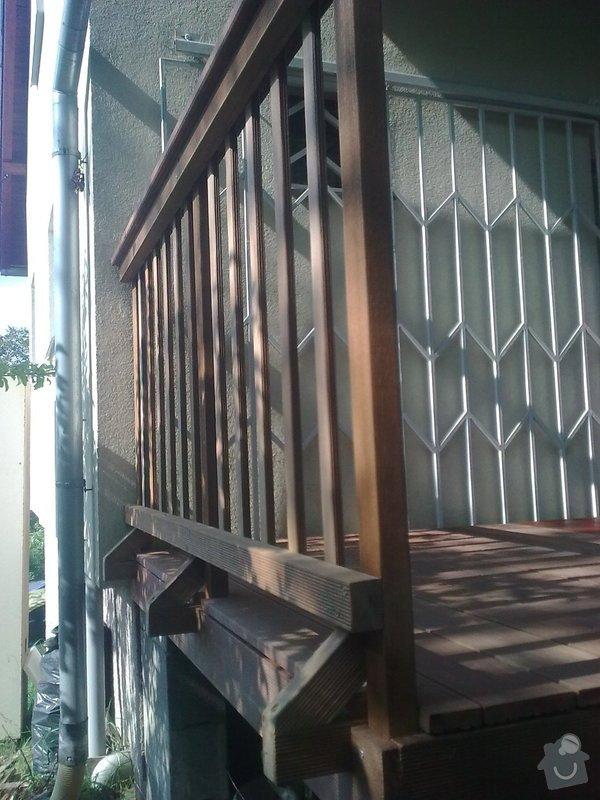 Dřevěna terasa ze schodamy a zabradli: Obraz0093