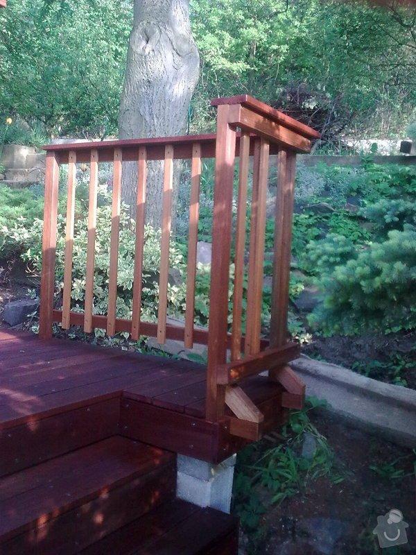 Dřevěna terasa ze schodamy a zabradli: Obraz0111