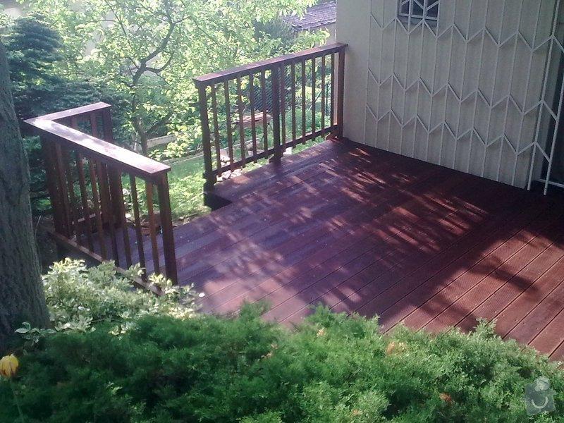 Dřevěna terasa ze schodamy a zabradli: Obraz0101