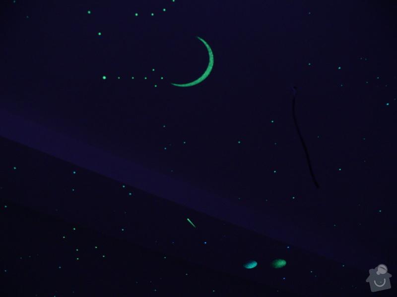 Dekorace dvou dětských pokojů noční oblohou: P1230315