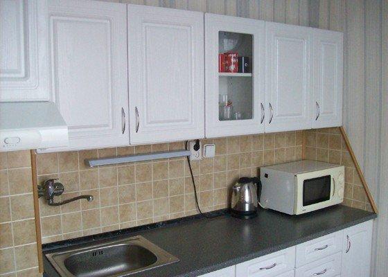 Částečná rekonstrukce malé panelákové kuchyně  ( cca 2,5x2,5 m)