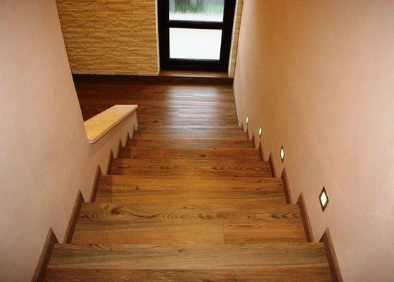 Vinyl korková podlaha a obklad schodů
