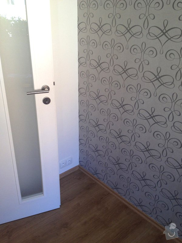 Úpravy/rekonstrukce nového bytu: kuchyn_detail_tapety_a_podlahy_3745