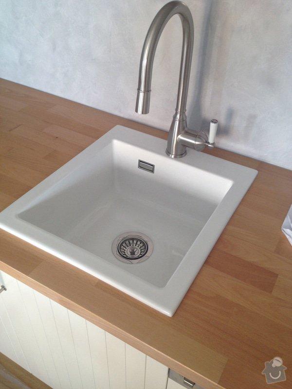 Úpravy/rekonstrukce nového bytu: kuchyn_keramicky_drez_3734