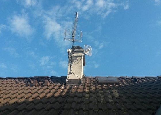 Instalace anténního stožáru na šikmou střechu