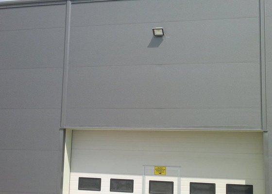Osvětlení skladovací haly včetně elektroinstalace