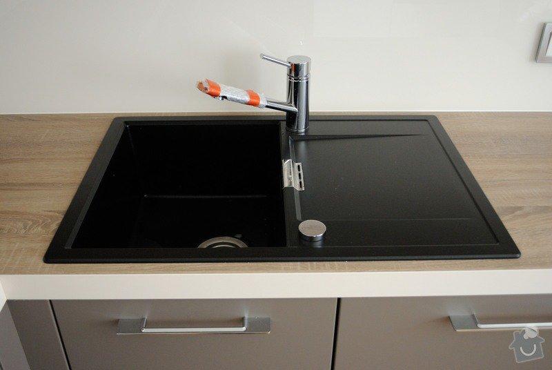 Rohová kuchyně s technickým blokem vysokých skříní: DSC_3308