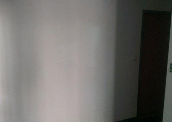 Malirske prace - vymalovani vchodu do domu