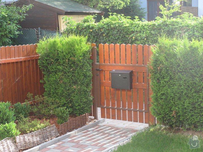 Výměna plotu, box na kola, schůdky na zahradu, madla: IMG_1552