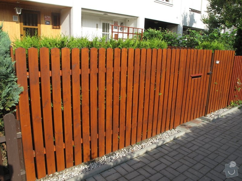 Výměna plotu, box na kola, schůdky na zahradu, madla: IMG_1553