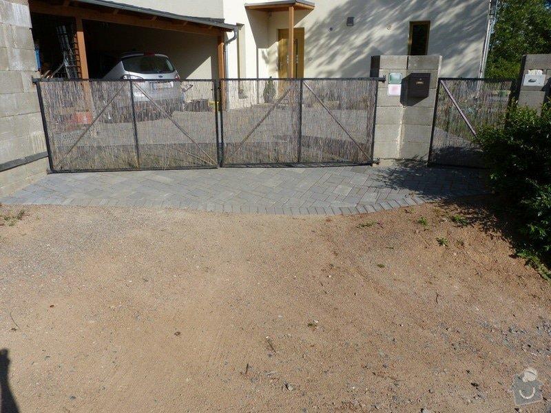 Automatická křídlová brána a branka: brana_zvenci1