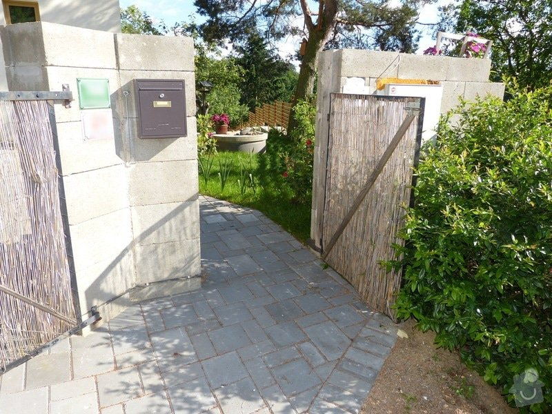 Automatická křídlová brána a branka: branka_zvenci