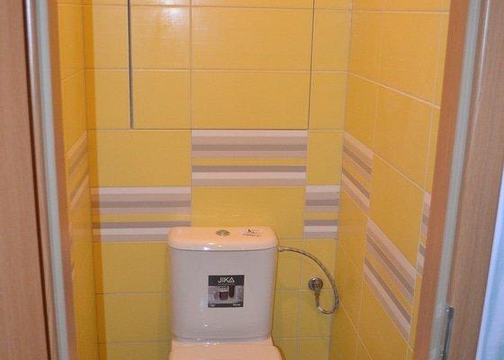 Rekonstrukce bytového jádra vč. WC a koupelny v panelovém bytě.