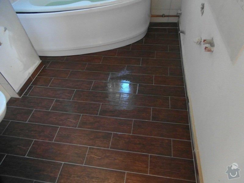 Obklad a položení dlažby v koupelně;omítky: SAM_1428