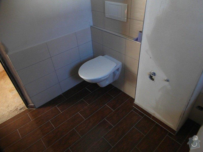 Obklad a položení dlažby v koupelně;omítky: SAM_1431