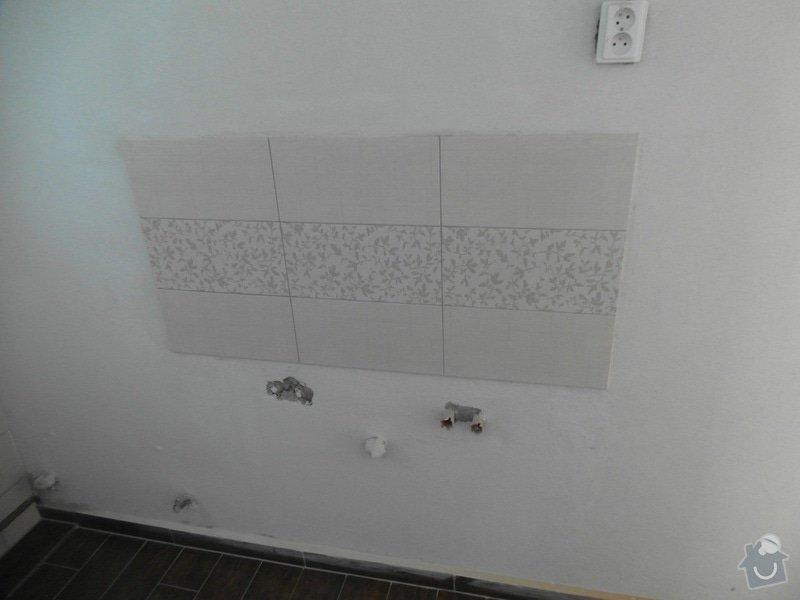 Obklad a položení dlažby v koupelně;omítky: SAM_1432