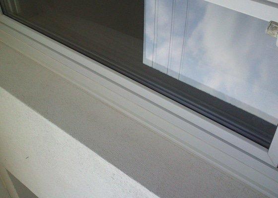 Servis oken, sítě proti hmyzu, oprava napojení oken na zateplenou fasádu