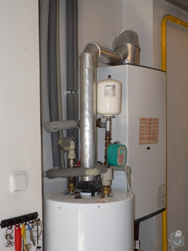 Výměnu stacionárního plynového ohřívače s odtahem spalin do komína Enbra JW 30 S - 114 l: P1390022