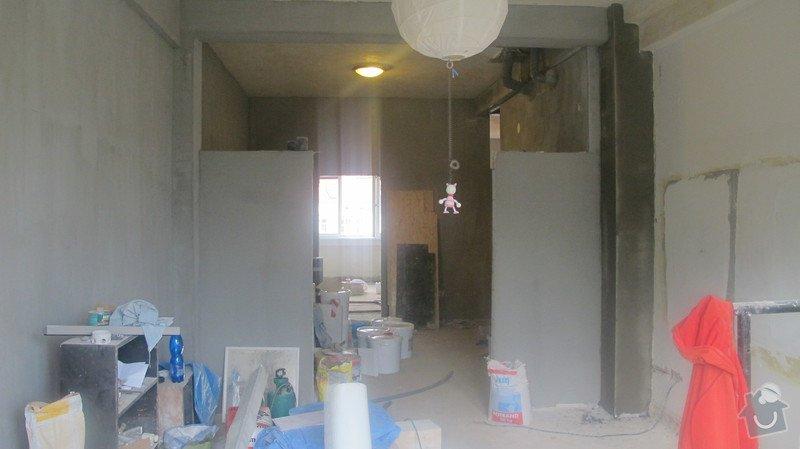 Posuvné skleněné dveře se světlíkem nad nimi: IMG_0651