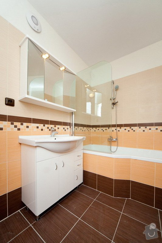 Rekonstrukce bytového jádra a části bytu: 2012-17_3_1_-_Praha_8_-_Kobylisy_04