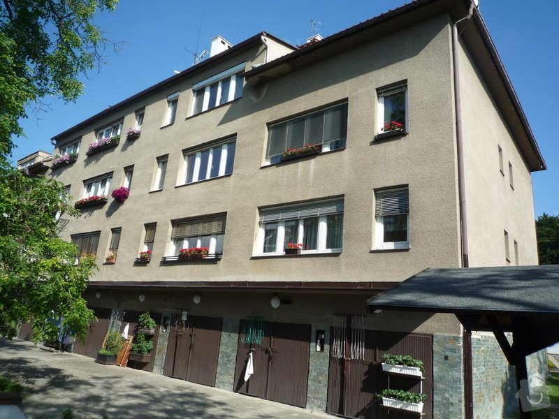 Zateplení obvodových zdí budovy: P1080508