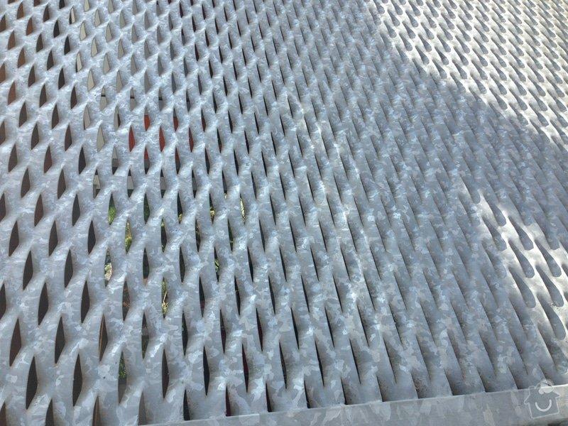 Vchodová brána se zinkovou povrchovou úpravou: Vrata_1
