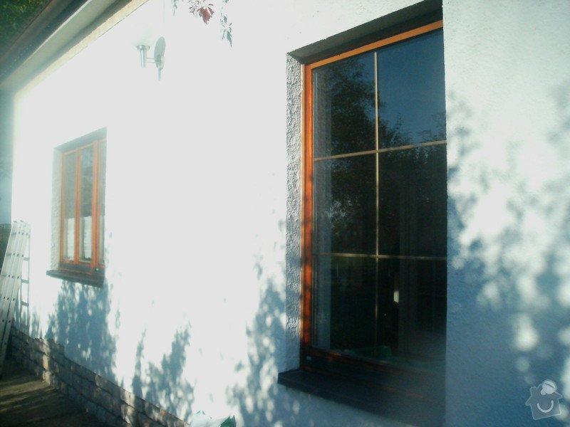 Úpravy terénu na zahradě,výkopové a bourací práce,odvodnění stěny,železobetonový strop vodoměrné šachty,zateplení,renovace a nátěr fasády,stavební úprava garážových vrat a probourání prostupu z garáže do sklepa,odvoz a uložení peletek: Fot3900