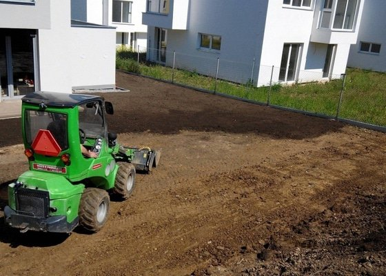 Založení zahrady u nového RD