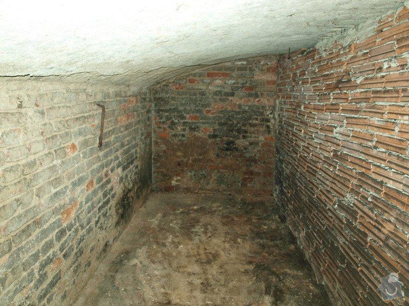 Rekonstrukce starého sklepa v činžovním domě (cca 25 m2): P6061680