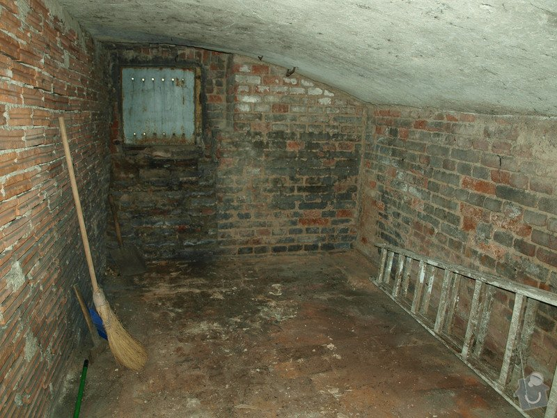 Rekonstrukce starého sklepa v činžovním domě (cca 25 m2): P6061682