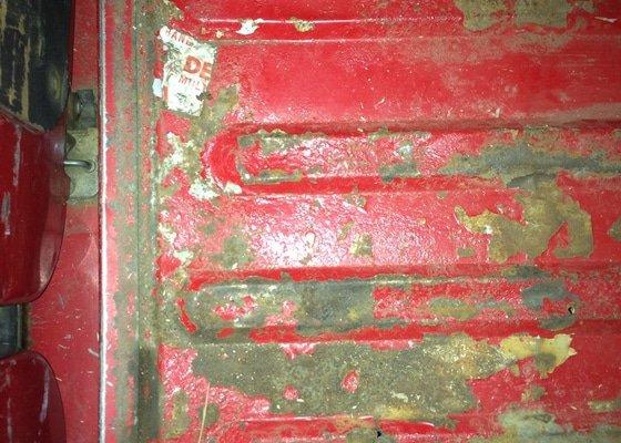 Autoklempířina - vyvaření podlahy ve Fordu Tranzit