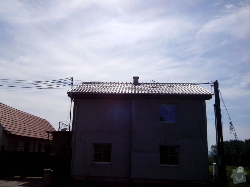 Střecha: c