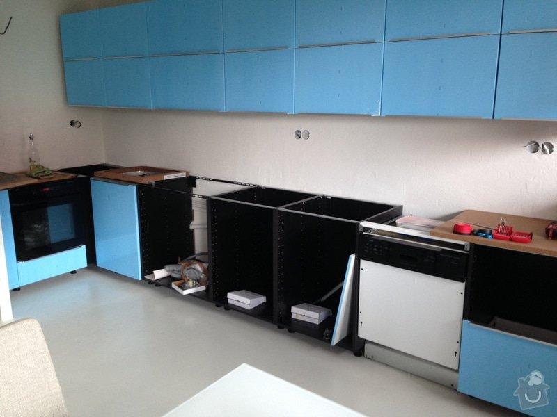 Úprava kuchyňské pracovní desky, frézování: kuchyn1