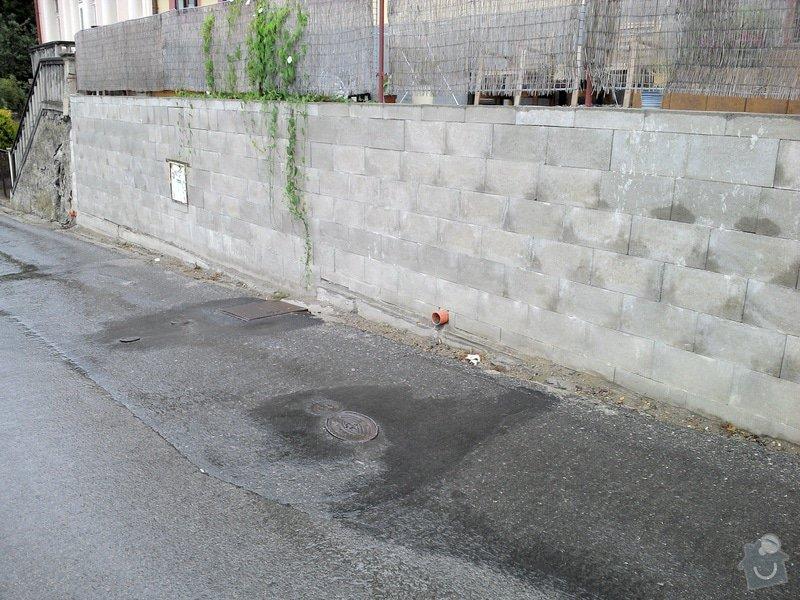 Obložení betonové zdi kamenem: zed_spodni_konec