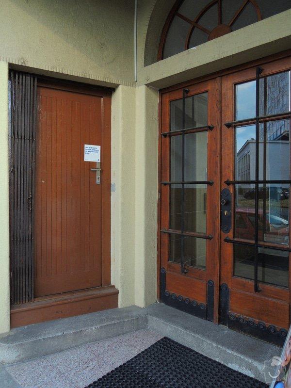 Rekonstrukce vchodových dveří pro kancelář: DSCN1959