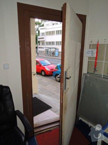 Rekonstrukce vchodových dveří pro kancelář: DSCN1965
