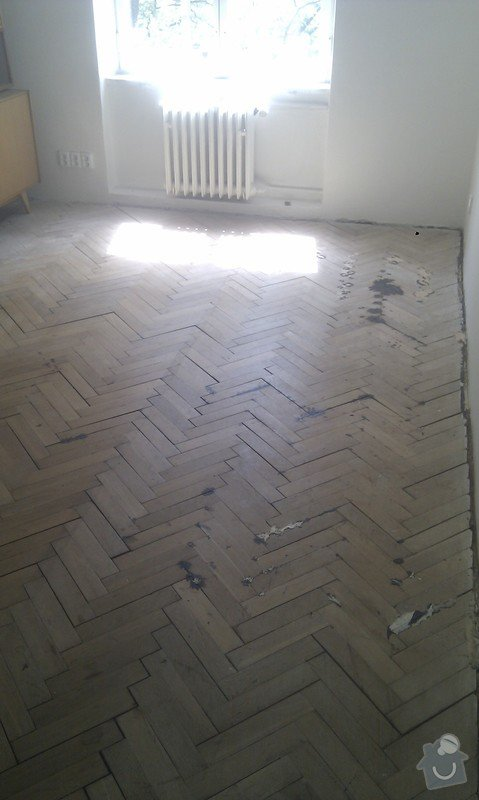 Vyřešit problém dřevěné podlahy lepené v asfaltu:32m2: ObyvakIMAG2337