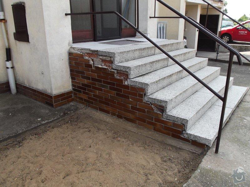 Rekonstrukce venkovního schodiště - bytovka, Svídnice u Dymokur: DSCF0856