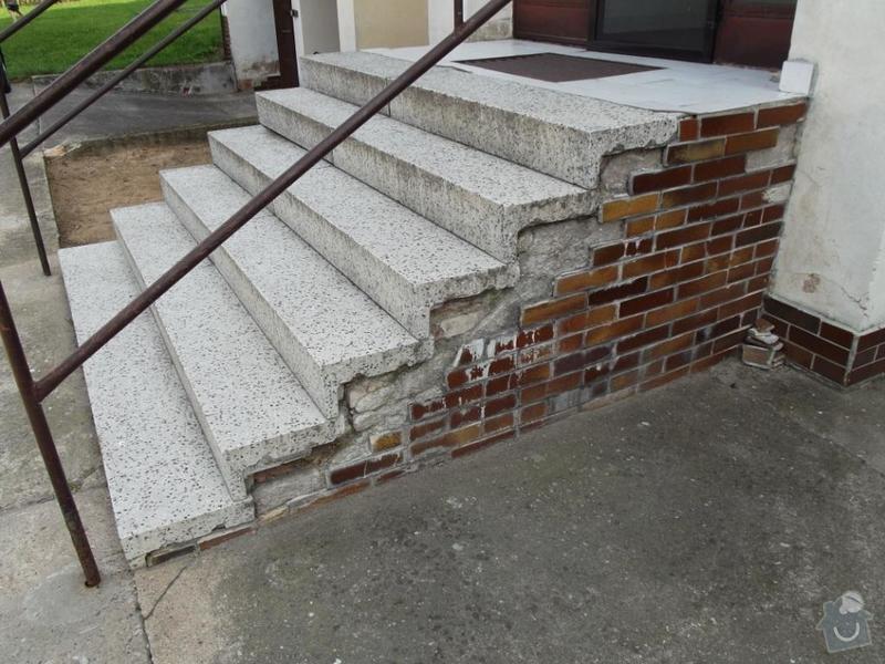 Rekonstrukce venkovního schodiště - bytovka, Svídnice u Dymokur: DSCF0858