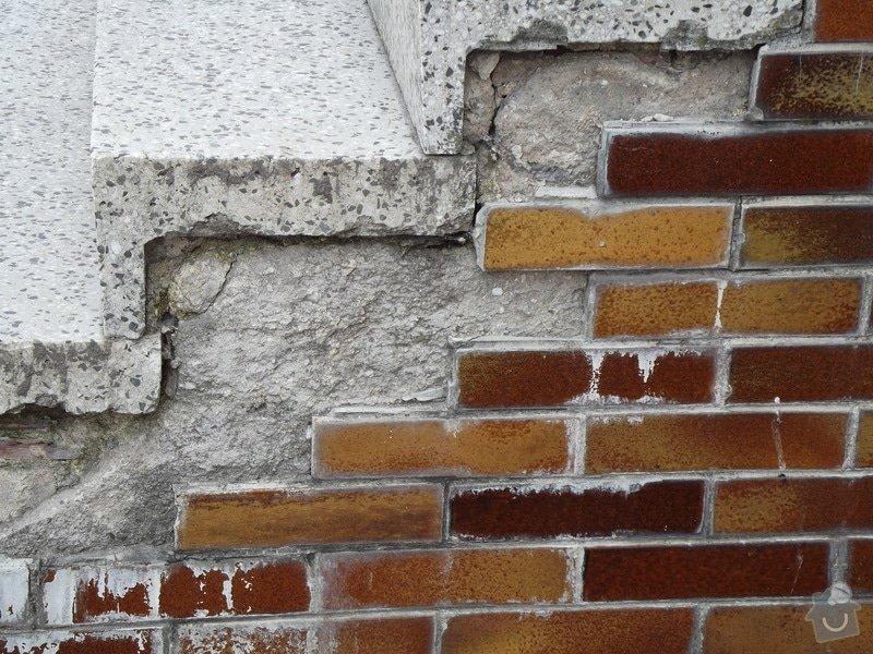 Rekonstrukce venkovního schodiště - bytovka, Svídnice u Dymokur: DSCF0859